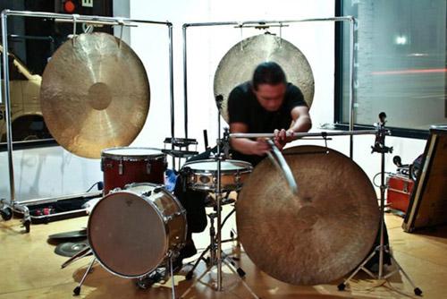 Tatsuya Nakatani: Solo Drum Performance @ Squidco (Squidco)